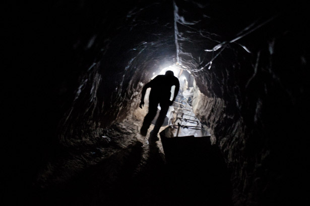 gaza-tunnel-worker-615